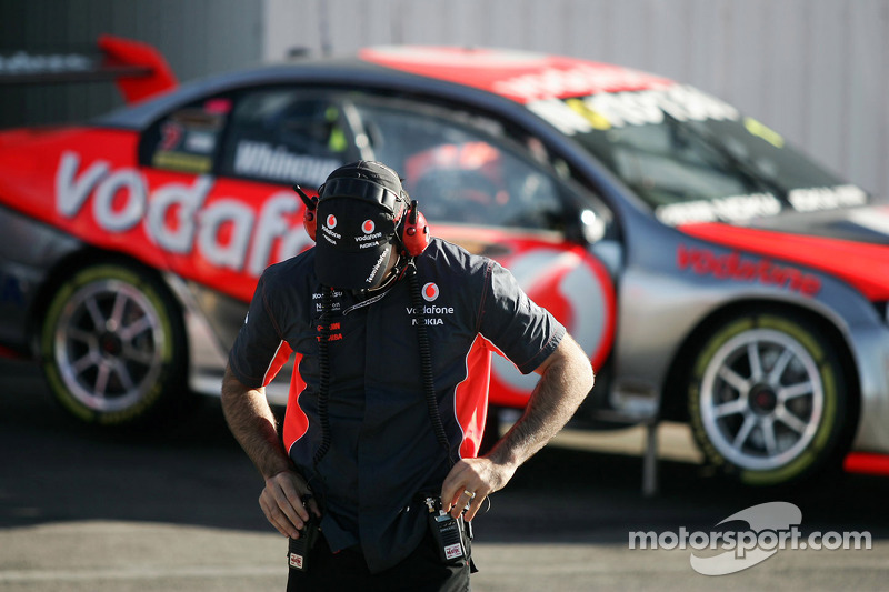 Jamie Whincup's engineer Mark Dutton