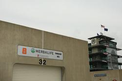 Garage of Townsend Bell, KV Racing Technology
