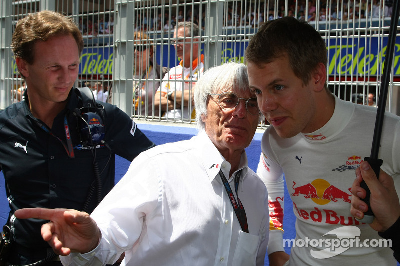 Bernie Ecclestone met Christian Horner, teambaas Red Bull Racing en Sebastian Vettel, Red Bull Racing