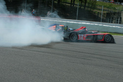 #14 Kolles Audi R10 TDI: Narain Karthikeyan, Andy Meyrick, Charles Zwolsman collides in la Source