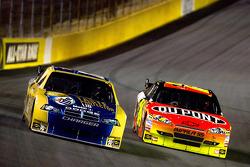 Kurt Busch, Penske Racing Dodge, Jeff Gordon, Hendrick Motorsports Chevrolet