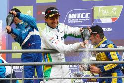 Race winner Alain Menu, Chevrolet, Chevrolet Cruze, 2nd, Augusto Farfus, BMW Team Germany, BMW 320si, 3rd, Robert Huff, Chevrolet, Chevrolet Cruze