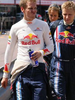 Sebastian Vettel, Red Bull Racing retiring from the race