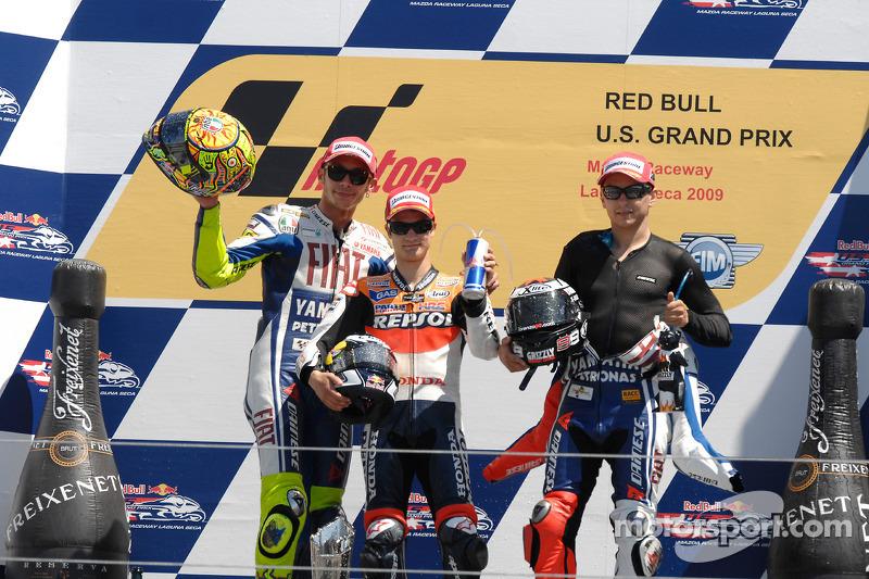 Podio: ganador de la carrera Dani Pedrosa, Repsol Honda Team, segundo lugar Fiat Yamaha Team, Valentino Rossi y tercero Jorge Lorenzo, Fiat Yamaha Team
