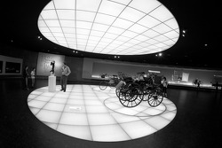 Start of the exhibition on level 8: the pionners and the invention of the automobile