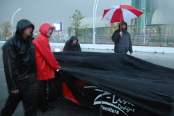 Car unver cover on pitlane