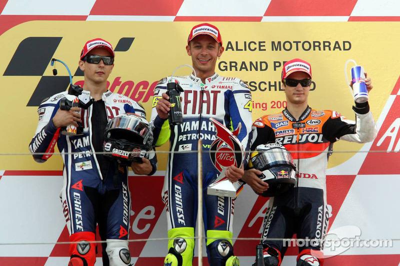 Podio: 1º Valentino Rossi, 2º Jorge Lorenzo, 3º Dani Pedrosa