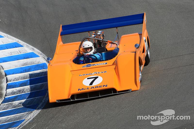 Скотт Хьюз на McLaren M8F 1971 года
