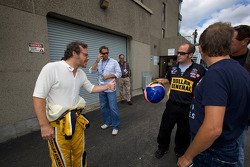 Jacques Villeneuve heads to drivers introduction