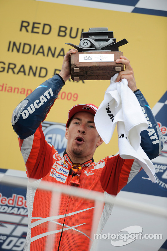 Podio: tercer lugar Nicky Hayden, Ducati Marlboro Team