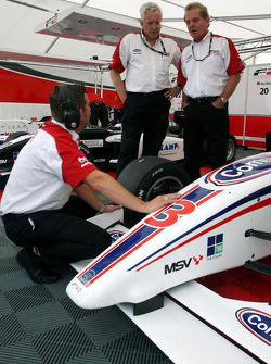 Jonathan Palmer Motorsport Vision Chief Executive talks with engineers