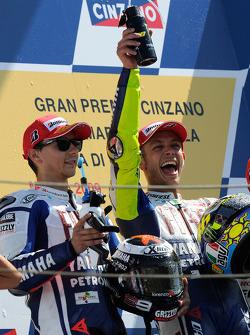 Podium: race winner Valentino Rossi, Fiat Yamaha Team, and second place Jorge Lorenzo, Fiat Yamaha Team