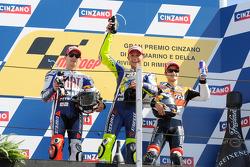 Podium : le vainqueur Valentino Rossi, Fiat Yamaha Team, le deuxième Jorge Lorenzo, Fiat Yamaha Team, et le troisième Dani Pedrosa, Repsol Honda Team