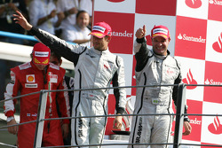 Podium: race winner Rubens Barrichello, BrawnGP, second place Jenson Button, BrawnGP, third place Kimi Raikkonen, Scuderia Ferrari