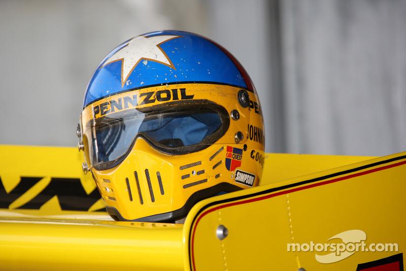 Johnny Rutherford pilote la Chaparral vainqueur de l'Indy 500 en 1980
