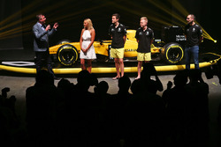 David Croft, Sky Sports Commentator, Ellie Jean Coffey, Jolyon Palmer, Renault Sport F1 Team, Kevin Magnussen, Renault Sport F1 Team and Cyril Abiteboul, Renault Sport F1 Managing Director