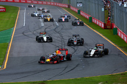 Даниэль Риккардо, Red Bull Racing RB12 и Нико Хюлькенберг, Sahara Force India F1 VJM09