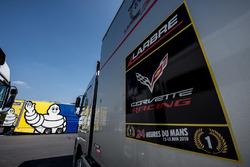 I camion Michelin e Larbre Competition nel paddock