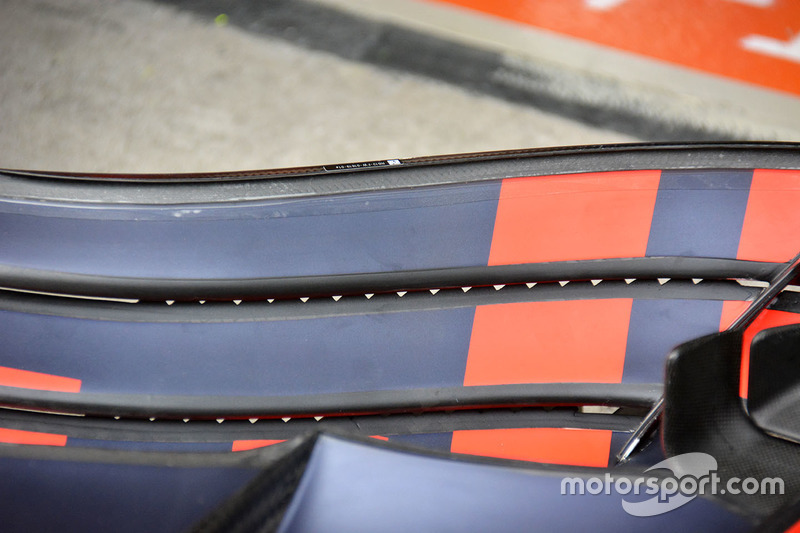 Red Bull Racing RB12 voorvleugel detail