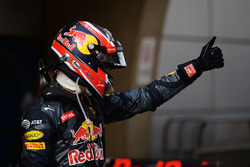 Derde plaats Daniil Kvyat, Red Bull Racing in parc ferme