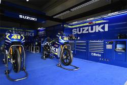 Suzuki MotoGP Takımı garajı