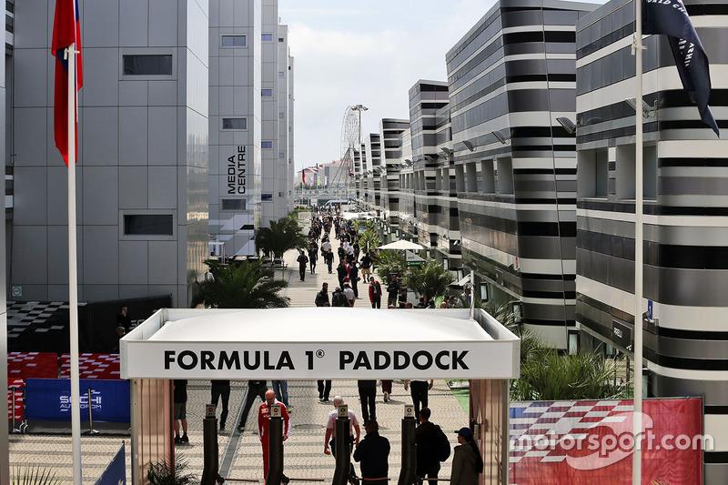 Le Paddock F1