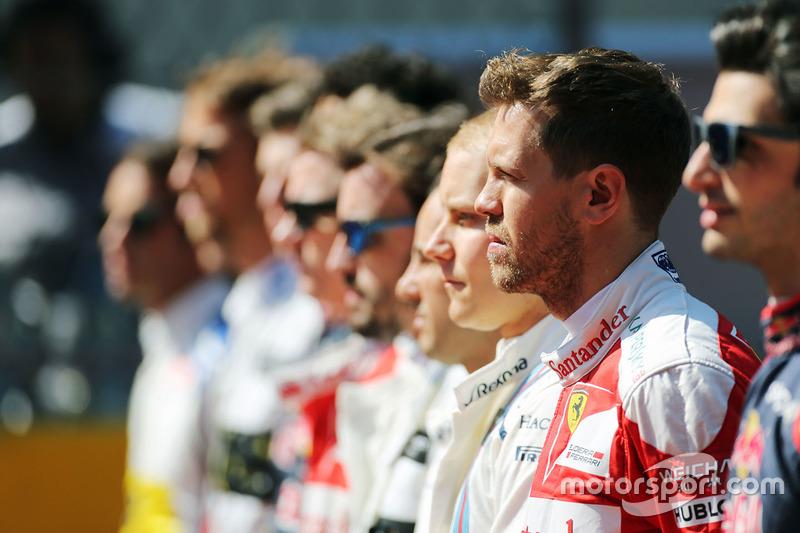 Sebastian Vettel, Ferrari durante el himno nacional