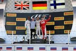Podio: ganador Nico Rosberg, Mercedes AMG F1 Team; segundo lugar tercer lugar de Lewis Hamilton, Mercedes AMG F1 Team, Kimi Raikkonen, Ferrari