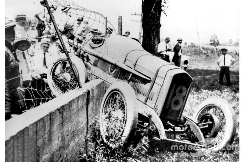 1921: Unfall von Louis Fontaine