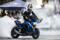 Aras Gibieza bei einer Stunt-Show in Neu-Delhi
