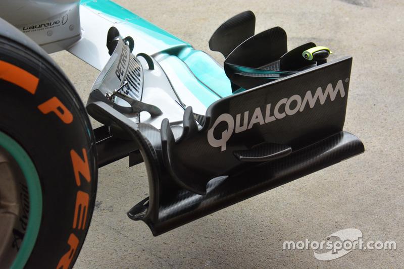 Détails de l'aileron avant de la Mercedes AMG F1 Team W07