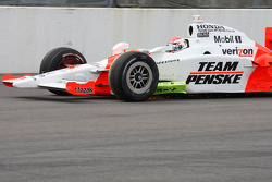 Ryan Briscoe, Team Penske with debris