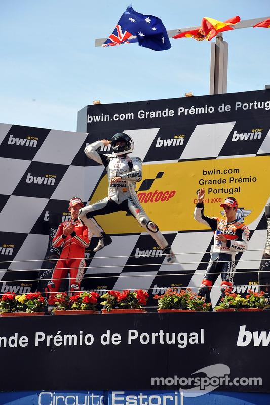 Podio: ganador de la carrera Jorge Lorenzo, Fiat Yamaha Team celebra con Casey Stoner, Ducati Marlboro Team, el segundo lugar y el tercer lugar Dani Pedrosa, Repsol Honda Team