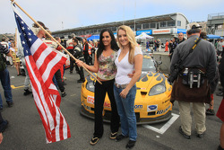 LG Motorsports grid girls