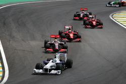 Nick Heidfeld, BMW Sauber F1 Team leads Lewis Hamilton, McLaren Mercedes
