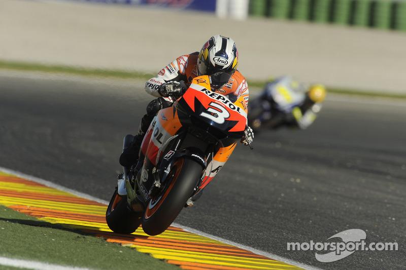 2009. Pedrosa dominó la carrera de ese año desde la salida hasta la bandera, superando a las Yamaha. Rossi entró a 2,6 segundos de Dani en la meta, y Lorenzo a 2,9.