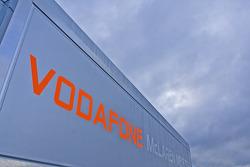 Vodaphone Mclaren Mercedes team tırı