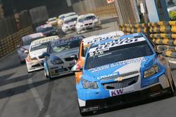 Никола Ларини, Chevrolet Cruze