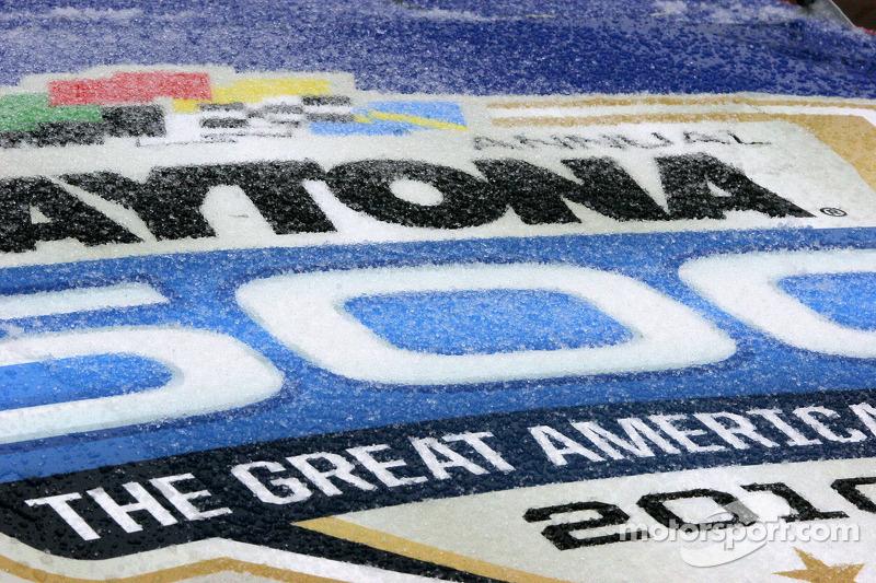 Météo inhabituelle sur Daytona: neige et gel perturbent le Daytona 500 Pace car