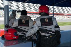 Zone des stands du Jlowe Racing