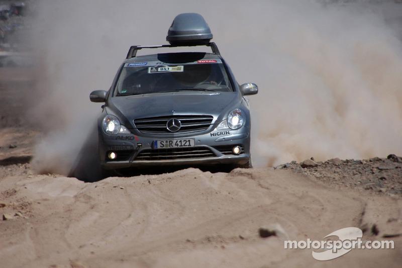 #940 Mercedes-Benz R-Class de presse: Ellen Lohr