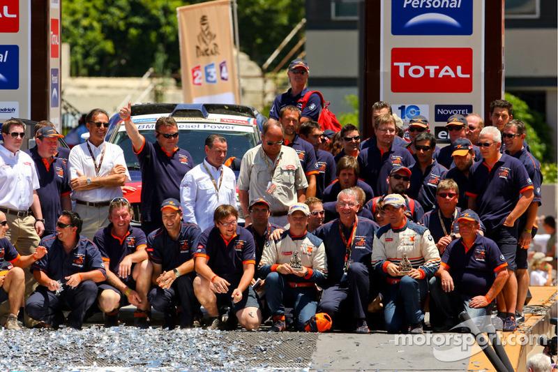 Podium catégorie AutosDakar 2010 :Stéphane Peterhansel et Guilherme Spinelli, cinquièmes