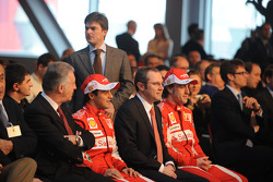 Felipe Massa, Ferrari-Teamchef Stefano Domenicali, Fernando Alonso