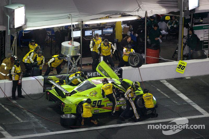 Arrêt aux stands pour  #90 Spirit of Daytona Racing Porsche Coyote: Antonio Garcia, Paul Menard, Buddy Rice