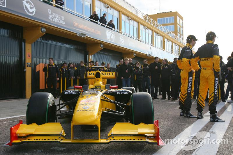 Vitaly Petrov, Renault F1 Team et Robert Kubica, Renault F1 Team