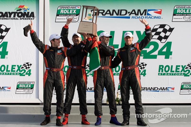 DP podium: klasse en overall winnaars Joao Barbosa, Terry Borcheller, Ryan Dalziel, Mike Rockenfeller