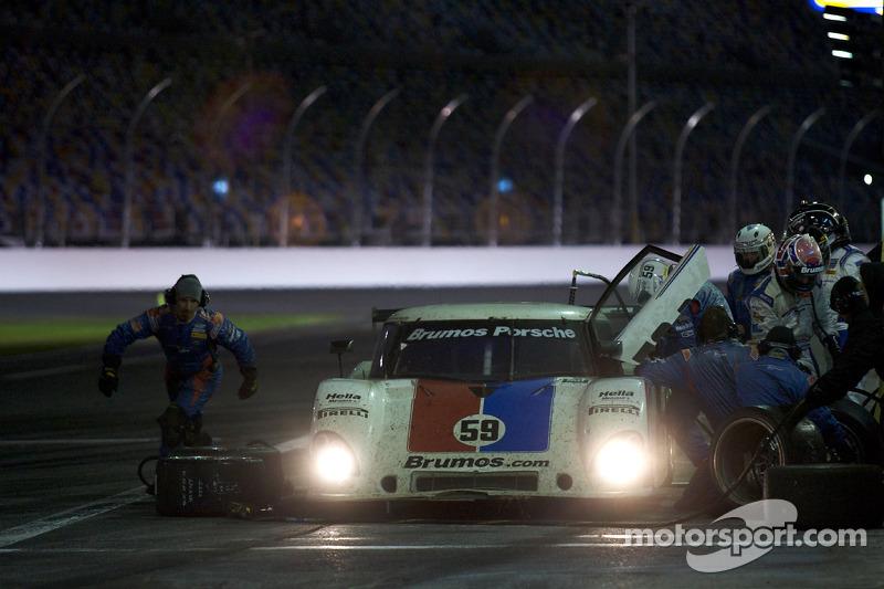 Arrêt aux stands pour #59 Brumos Racing Porsche Riley: David Donohue, Hurley Haywood, Darren Law, Butch Leitzinger, Raphael Matos