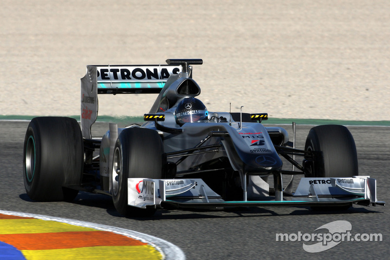 2010 год: Mercedes