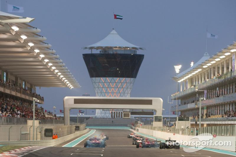 GP2 Asia: les voitures sur la grille avant la course