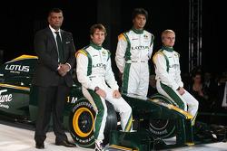 Tony Fernandes, Malaysia Racing Takım Patronu, Jarno Trulli, Fairuz Fauzy ve Heikki Kovalainen